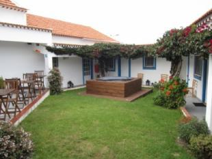 Image 3, 8 Bedroomed House : AV1382