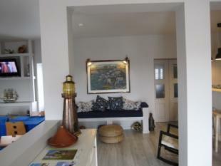 Image 8, 8 Bedroomed House : AV1382