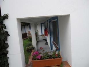Image 10, 8 Bedroomed House : AV1382