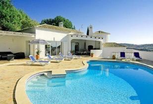 Image 1, 4 Bedroomed Villa : GV384
