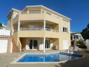 Image 1, 5 Bedroomed Villa : GV402