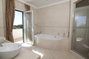 Image 9, 4 Bedroomed Villa : PV3000