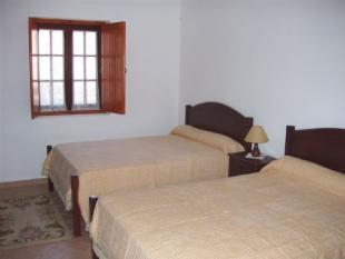 Image 8, 4 Bedroomed House : PV3206