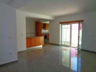 Image 2, 4 Bedroomed Villa : AV1505