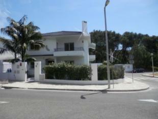 Image 3, 5 Bedroomed Villa : AV1512