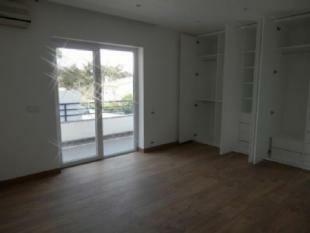 Image 7, 5 Bedroomed Villa : AV1512