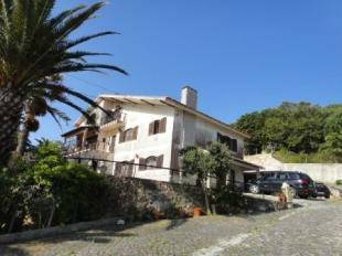 Image 4, 6 Bedroomed Villa : AV849