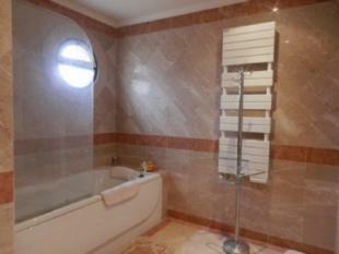 Image 23, 5 Bedroomed Villa : AV1618