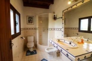 Image 13, 4 Bedroomed Villa : JV1758