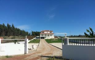 Image 2, 4 Bedroomed Villa : AV1629