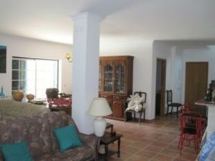 Image 5, 4 Bedroomed Villa : AV1082