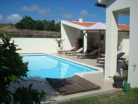 Image 2, 4 Bedroomed Villa : AV1318