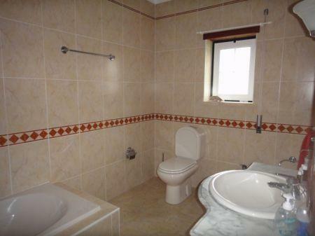 Image 10, 4 Bedroomed Villa : AV1033