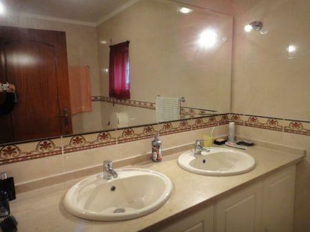 Image 11, 4 Bedroomed Villa : AV1033