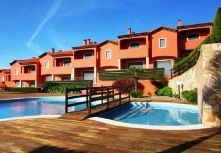 Image 1, 3 Bedroomed Villa : AV1341