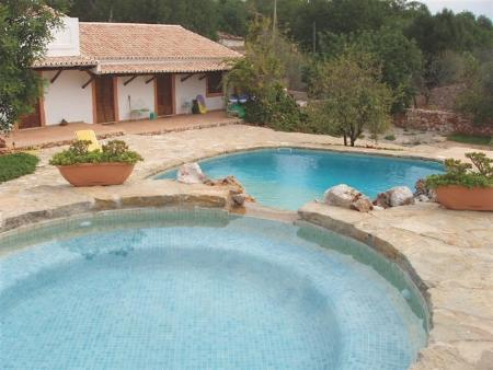 Image 1, 4 Bedroomed House : PV3206