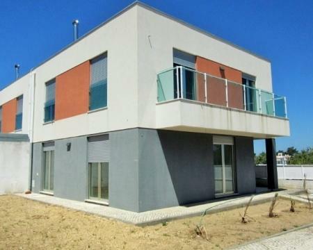Image 1, 3 Bedroomed Villa : AV1349
