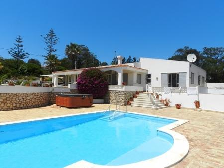 Image 1, 4 Bedroomed Villa : GV372