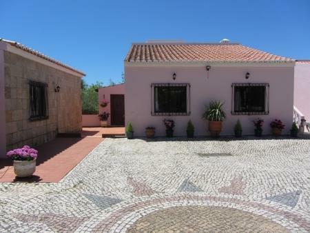 Image 4, 6 Bedroomed Villa : GV371