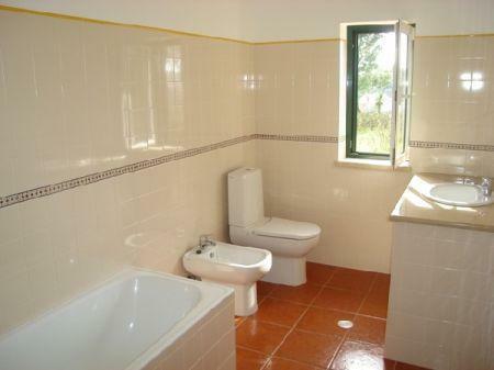 Image 4, 3 Bedroomed Villa : AV718