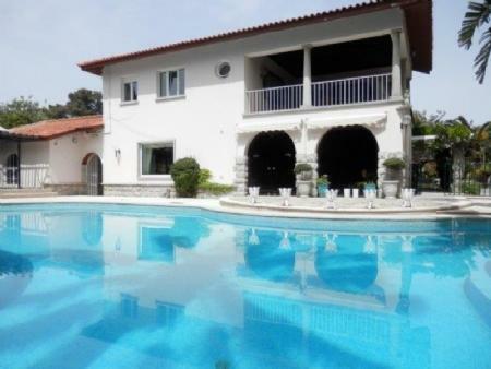 Image 1, 6 Bedroomed Villa : AV1357