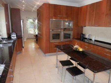 Image 9, 6 Bedroomed Villa : AV1357