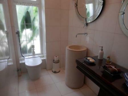 Image 17, 6 Bedroomed Villa : AV1357