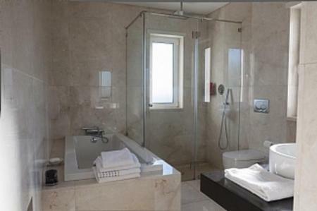 Image 6, 4 Bedroomed Villa : DV5122