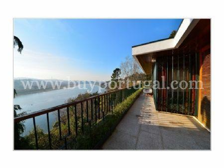 Image 2, 5 Bedroomed Villa : AV1285