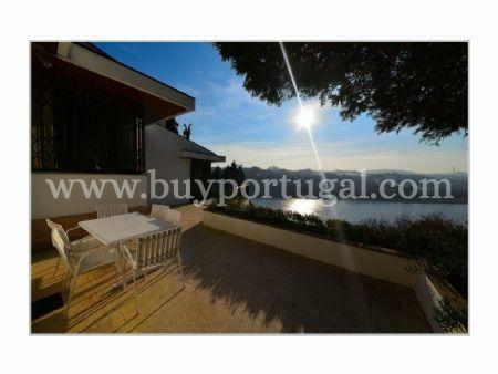 Image 3, 5 Bedroomed Villa : AV1285
