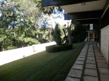 Image 1, 5 Bedroomed Villa : AV1226