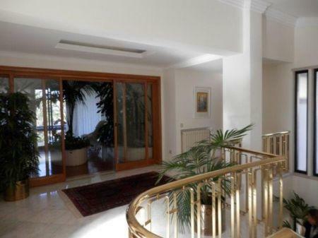 Image 3, 5 Bedroomed Villa : AV1226