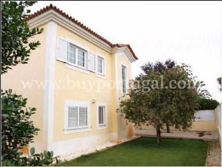 Image 1, 4 Bedroomed Villa : AV1240