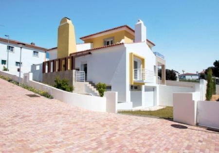 Image 1, 4 Bedroomed Villa : AV1405