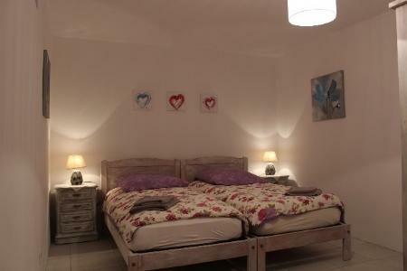 Image 7, 5 Bedroomed Villa : GV401