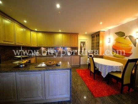 Image 18, 6 Bedroomed Apartment : AA251