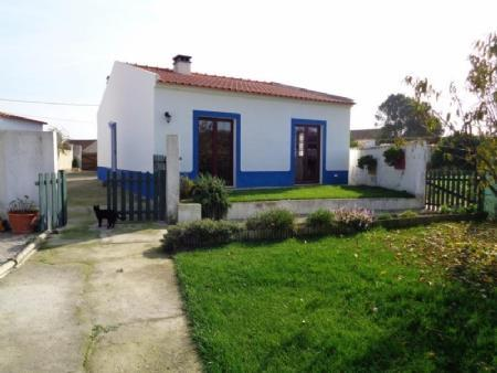 Image 1, 3 Bedroomed Villa : AV1415