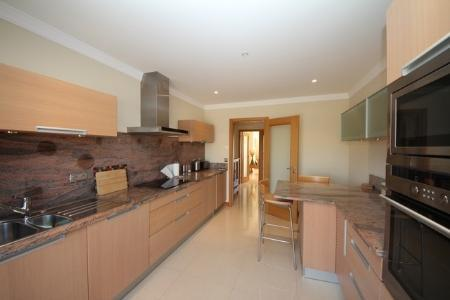 Image 3, 2 Bedroomed Apartment : GA215