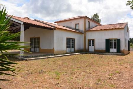 Image 1, 4 Bedroomed Villa : AV1604