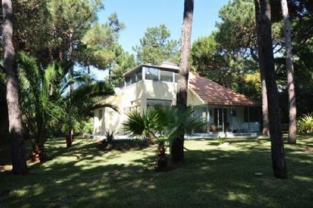 Image 5, 3 Bedroomed Villa : AV1603