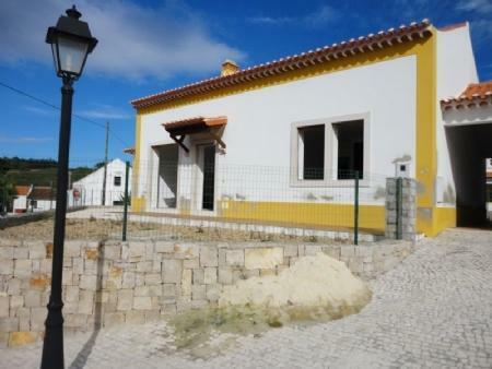 Image 1, 4 Bedroomed Villa : AV1401