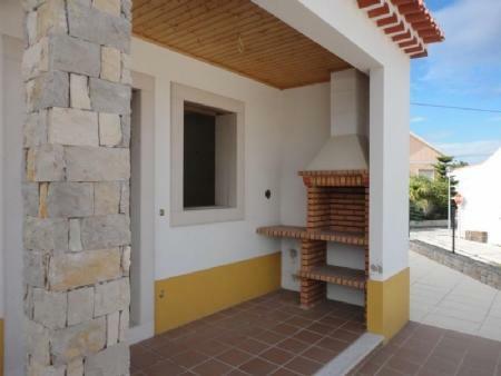 Image 2, 4 Bedroomed Villa : AV1401
