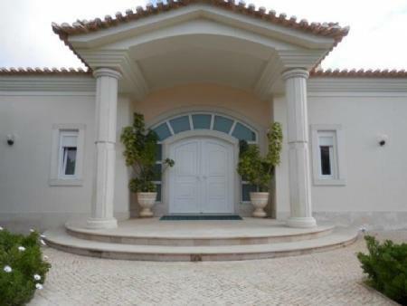 Image 1, 6 Bedroomed Villa : AV1612