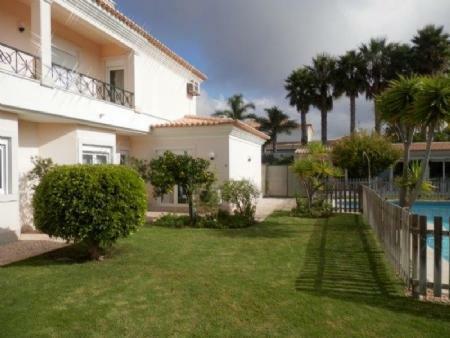 Image 2, 6 Bedroomed Villa : AV1612