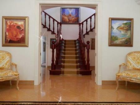 Image 4, 6 Bedroomed Villa : AV1612