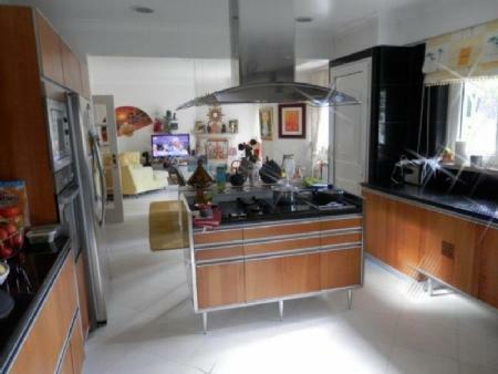 Image 5, 6 Bedroomed Villa : AV1612