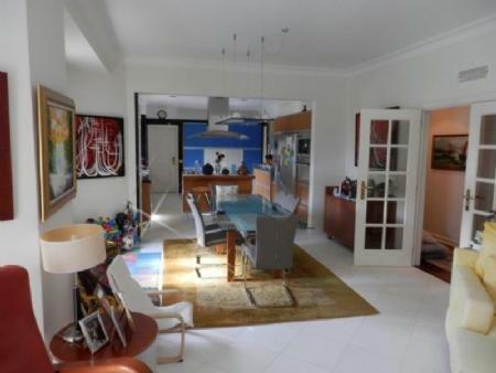 Image 9, 6 Bedroomed Villa : AV1612