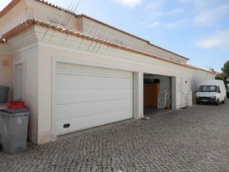 Image 24, 6 Bedroomed Villa : AV1612