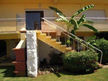 Image 3, 6 Bedroomed Villa : AV1181