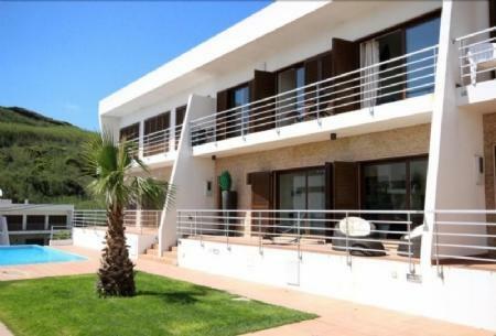 Image 1, 3 Bedroomed Villa : AV1436